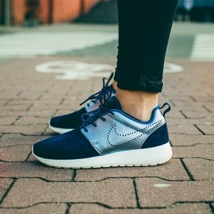 Brand New Nike Roshe One Premium Suede